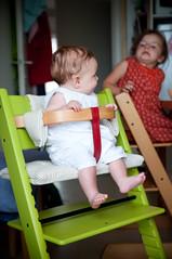 In haar nieuwe stoel