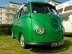 VW Bus Stop (Wil Wardle) Tags: summer green vw volkswagen photography interestingness interesting photographer details busstop panasonic explore combi 2009 hdr highdynamicrange kombi metalic sponsor splitscreen sponsorship twop cs3 picturenaut eastbourneextreme dmcfz18 williamwardle wilwardlephotography 2009bywilwardlepleasedonotusethisoranyofmyimageswithoutmypermission wilwardle willwardle ebphoto carportraiture
