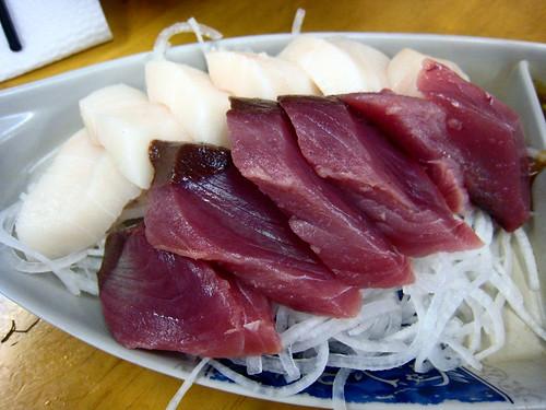 B_ty 拍攝的 生魚片雙拼 - 紅绀&油魚。