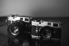 2x35=70mm of Porn 1 (SimonSawSunlight) Tags: camera leica white black tom 35mm lens soft cosina release rangefinder m porn hood 35 m2 f25 m4 nokton voigtlnder f12 cameraporn colorskopar vented abrahamsson voigtlandernokton35mmf12aspherical