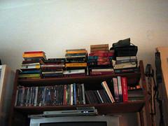 home-05 (newmediologo) Tags: mobileblog casa libri danbrown libreria letture stieglarsson newmediologo lisbethsalander