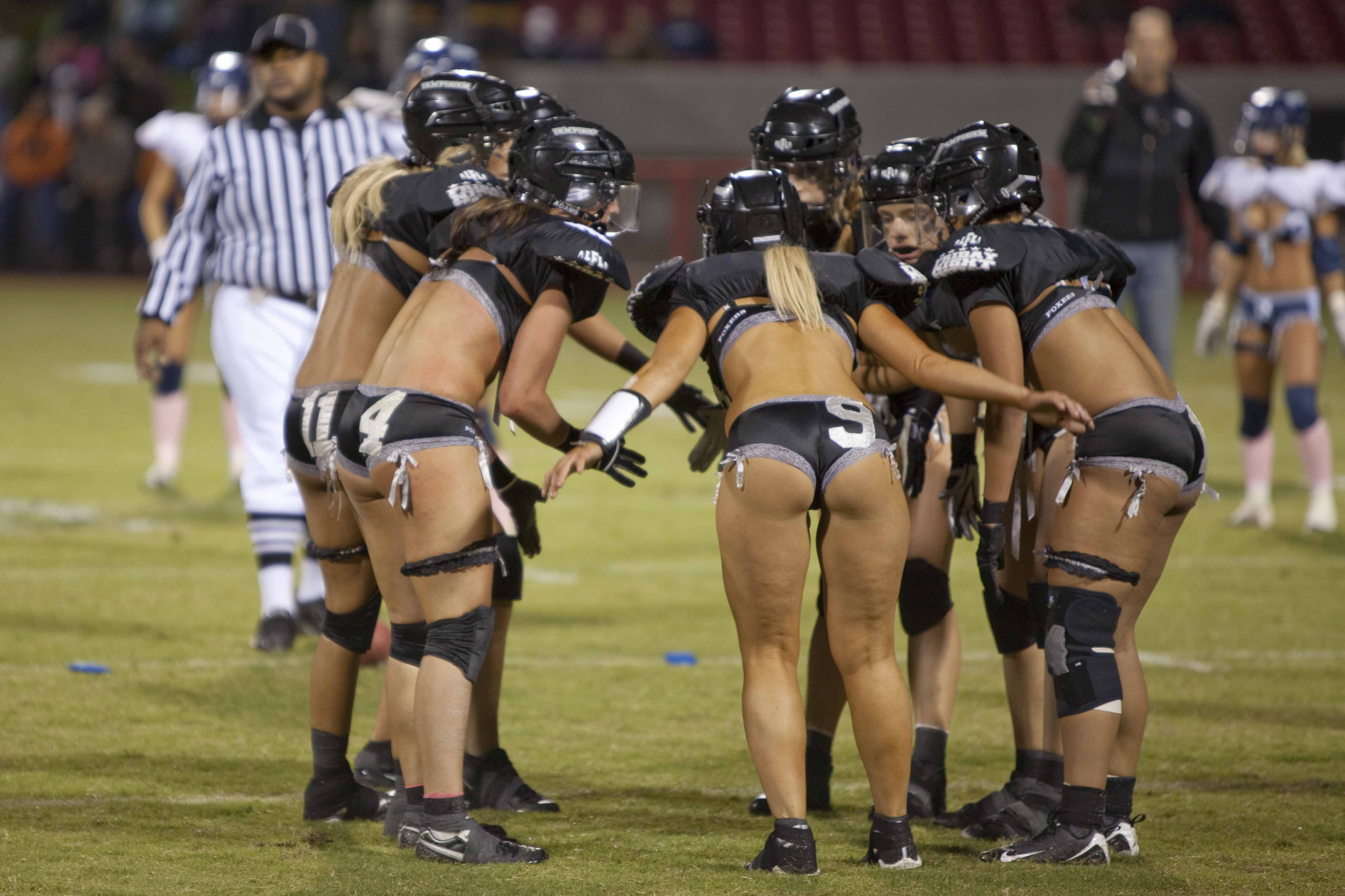 Lingerie Football League - Dallas Desire vs. S()