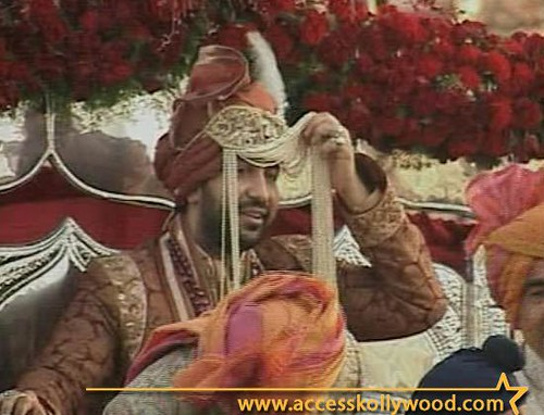 Bridegroom Raj Kundra arriving for Shilpa Shetty's marriage