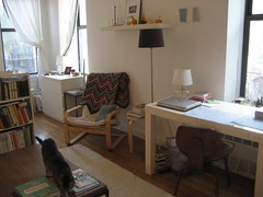 IMG_4361 (flaschenpostpics) Tags: nyc myfirstapartment manhattanapartment apartmenttherapyny uppereastsidestudio