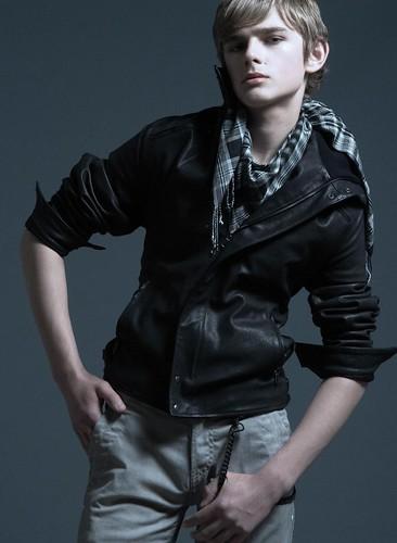 Taras0004(Fashion)