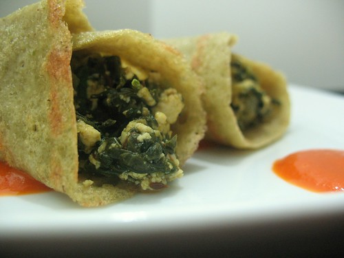 Moong Dosa with Spinach & Red Pepper Sauce
