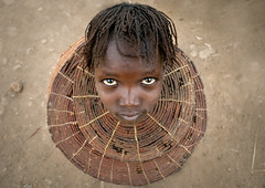 Pokot girl with the traditional necklace - Kenya (Eric Lafforgue) Tags: africa above girl necklace kid eyes child kenya culture tribal explore drought tribes afrika jewelery tradition tribe ethnic enfant tribo famine jewel afrique ethnology tribu eastafrica 7324 pokot qunia lafforgue ethnie  qunia    kea   pokhot  a