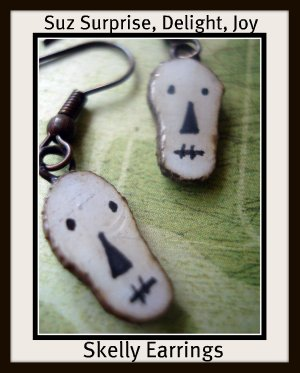 stj - earrings - halloween - august doorprize skellys