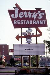 9210A-02 (primemover88) Tags: lexingtonky jerrysrestaurant jerryssign