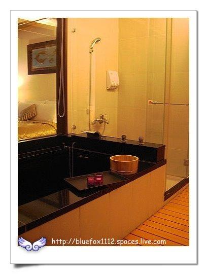 090919-3花宜6輪4日遊_潭心閣13_乾溼分離的浴室