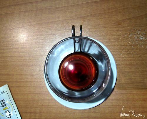 Un té rojo, por favor