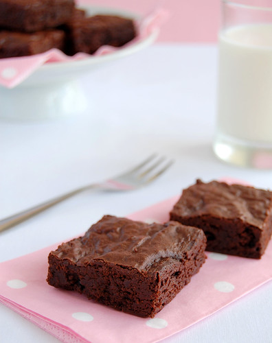Midnight chocolate brownies / Brownies de chocolate com um toque de laranja
