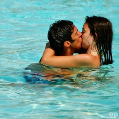 Wet Kiss (the original) (Osvaldo_Zoom) Tags: sea summer italy love beach nikon kiss kissing couple manwoman teenagers lovers sicily d80