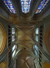Notre-Dame de Reims # 23 (schreibtnix on'n off) Tags: france travelling architecture reisen frankreich cathedral champagne gothic kathedrale architektur reims worldheritage gotik weltkulturerbe notredamedereims olympuse3