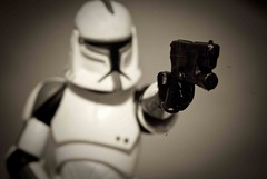New Weapon (Heber Garcia) Tags: toy actionfigure starwars gun stormtroopers weapon toyart stormtrooper365