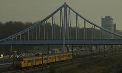 Westergobrug Zoetermeer (Boomerang Bijdorp Zoetermeer) Tags: zoetermeer brug boomerang trein sfeer appartementen