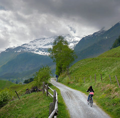 Maximum ascent gradient: 17%. (Bn) Tags: panorama mountain snow alps salzburg nature bike race geotagged cycling austria goldberg topf50 day tour cloudy mountainbike glacier alpine valley cycle biking gradient pedals mountainbiking topf100 impressive gravel bycicle radweg ascending rauris decending unspoilt 100faves 50faves cyclepaths kolmsaigurn hohetauernnationalpark rauristal ritterkopf allxpressus geo:lon=12973818 geo:lat=47136483 raurisvalley rauriskolmsaigurn 3006m