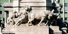 Detail, Marques de Pombal monument (TheFutureIsUnwritten) Tags: portugal monument set monumento lisboa lisbon peasants campesinos marquesdepombal