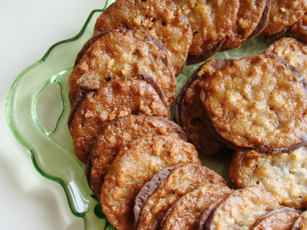 Florentine Lace Cookies