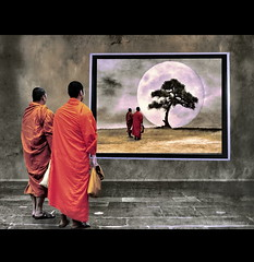 Meditation Two Monks (h.koppdelaney) Tags: world life light moon art digital photoshop self gold peace state symbol buddha space dream monk buddhism philosophy inner monks harmony mind imagination inside meditation awareness metaphor lucid cosmic consciousness psyche symbolism psychology selbst archetype oneness transduality hourofthesoul gewahrsein graphicmaster selbstbeobachtung