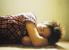 [フリー画像] [人物写真] [男性ポートレイト] [外国人男性] [イケメン] [寝顔/寝相/寝姿]      [フリー素材]
