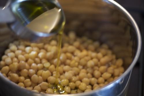 4004759829 27b01bf464 Mad About Chickpeas Hummus Balila