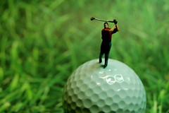 "Golf ""Lessen"" (JD Hancock) Tags: favorite macro green scale grass golf fun miniature interesting little small perspective mini cc tiny figure ho portfolio golfball 1k hoscale theotherside nogeo littledudes cmwdgreen jdhancock"