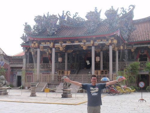 Swiss in front of the Khoo Clan Temple