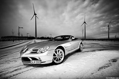 SLR. (Denniske) Tags: blackandwhite bw white clouds canon silver photography eos gris mercedes benz hp shoot december angle belgium belgique snowy wide belgië sigma convertible automotive mc westvlaanderen 09 shooting mm 12 pk dennis 1020 19 2009 supercar 19th laren kortrijk westflanders silber 626 courtrai fotoshoot noten argento bhp zilver f456 40d denniske dennisnotencom mercedesbenzslrmclarenroadstersnowphotoshootbydennisnote