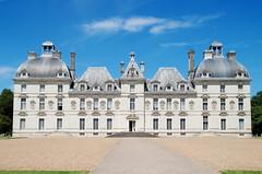 Chteau de CHEVERNY (greg..!) Tags: blue sky beautiful wonderful french nikon greg bleu ciel tintin chateau bd haddock beau castel francais moulinsart wonderfulworld castafiore d80 platinumphoto