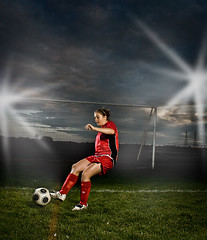 Alisha Soccer lights (FRAMED 1978) Tags: sports girl grass soccer ab player teen alienbee strobe beautydish strobist