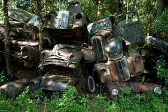 Old pile - Bstns (Rolfen) Tags: classic yard junk sweden rusty sverige scrapyard rost nostalgi vrmland veteranbil skrotbil bilkyrkogrd bilskrot bstns brderna ivansson vervxt