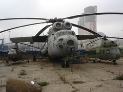 Big and small; together 2 (Skitmeister) Tags: 2005 museum airplane russia moscow space aircraft aviation air jets central jet helicopter soviet helicopters russian flugzeug letadlo russie mig rusland ussr moscou vliegtuig  sukhoi sssr  udssr yakovlev frunze khodynka     skitmeister