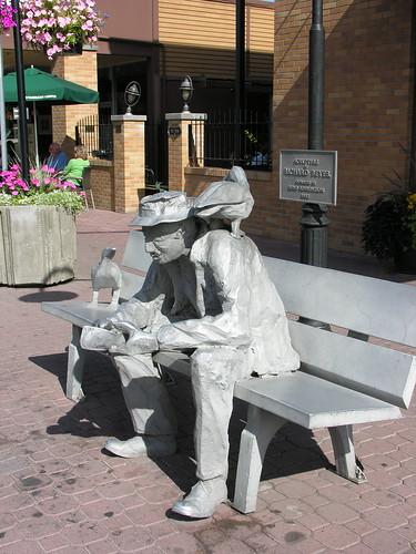 Bench sitter in downtown Bend