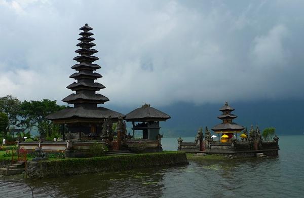 Ulu Danu Temple