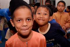 Menunggu giliran dapat duit raya :) (Ikatan Muslimin Malaysia Cawangan Hulu Langat) Tags: raya hari aidilfitri sambutan