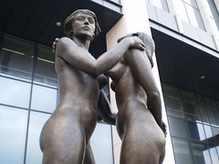 Sculpture Female Nudes Embracing 5 - Finance Tower Brussels
