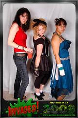 Amy Britt Carolina (avitable) Tags: costumes party halloween alien invasion invaded avitable avitaween avitaween2009