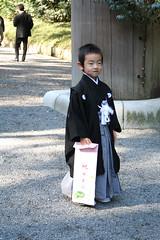 shichi-go-san festival, meiju shrine (badskirt) Tags: japan kids tokyo kimono kokeshi 2009 harakuku meijujingu amygunson shichigoban meijushrine
