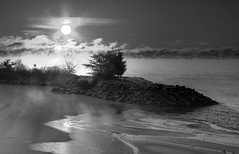 Sun and mist (KarenR-TB) Tags: winter bw ontario sunrise lakesuperior thunderbay coppercloudsilvernsun