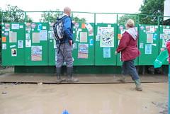 Glastonbury festival 2009 (wobblyturkey) Tags: sun rain festival mud performance glastonbury glastonbury2009