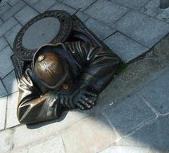 Man at Work (Albita.) Tags: manatwork slovakia bratislava eslovaquia hombretrabajando hombreeneltrabajo