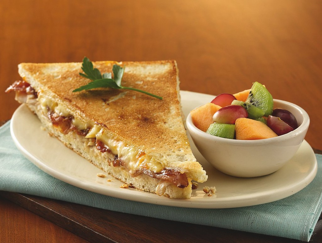 RECIPE: Turkey, Bacon and Brie Panini with Apricot Aioli