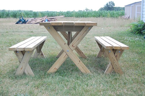 Weekend DIY Picnic Table Project DIYdiva - Picnic table with removable benches
