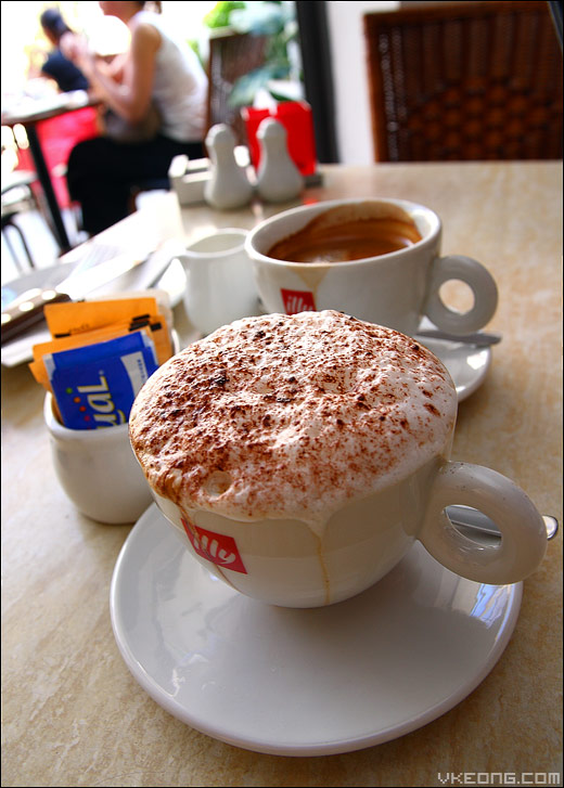 illy-cappuccino