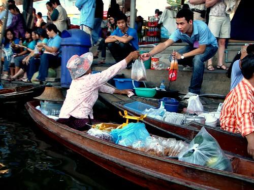 Thailand: Damnoen Saduak Floating Market @ Song About Jen