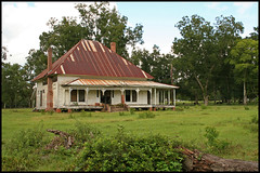 My favorite house, perhaps of all time, ever. (Black.Doll) Tags: abandoned florida tinroof inwood crackerhouse jacksoncounty