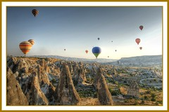 Floating in a hot-air balloon above cappadocia (scrabble.) Tags: sunrise turkey balloons landscape flying basket hotair ballon balloon floating hdr turkije luchtballon cappadocia drifting heteluchtballon atdawn 1770mm cappadoci sonya700