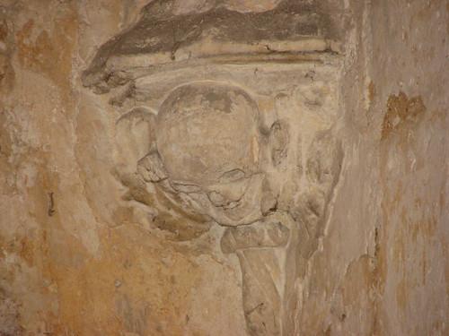 Skull-bedecked Impost