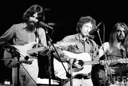 George Harrison,Bob Dylan,Leon Russell in Concert for Bangladesh, New York 1971 par rising70